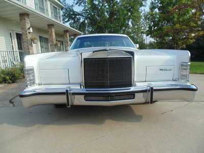 1979 Lincoln Town Car, $19999. Photo 1