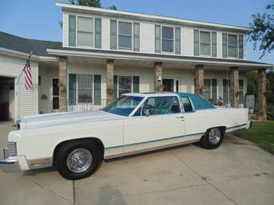 1979 Lincoln Town Car, $19999. Photo 2