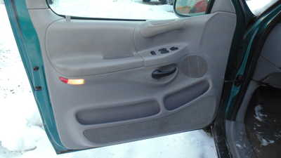 1999 Ford F150 Reg Cab, $1999. Photo 5