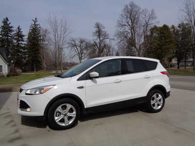 2014 Ford Escape, $12595. Photo 3