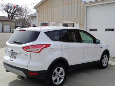 2014 Ford Escape, $12595. Photo 5